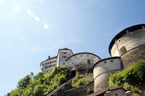 Die Festung Kufstein im Sonnenlicht