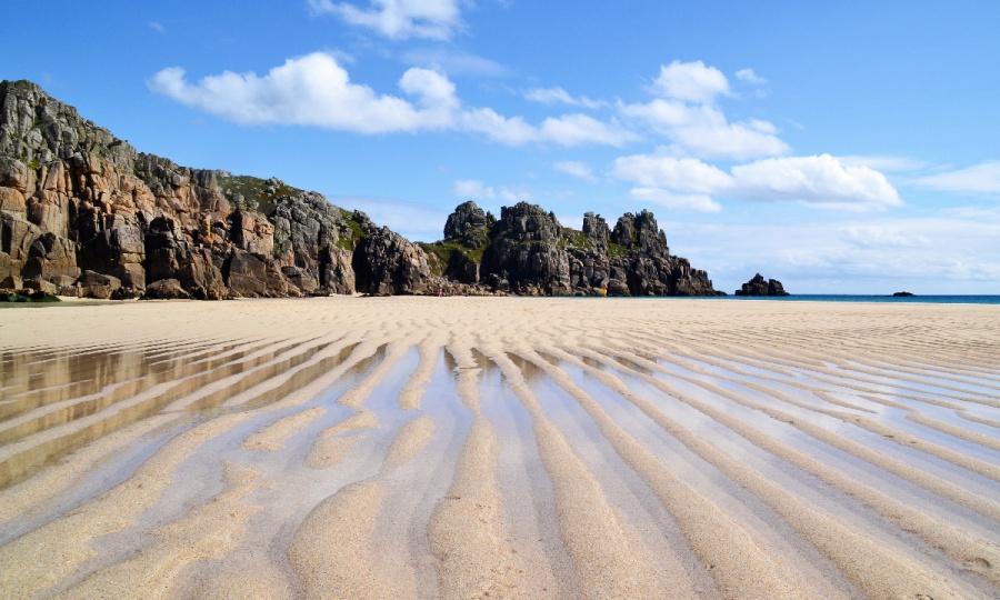 Der traumhafte Strand von Pedn Vounder in Cornwall