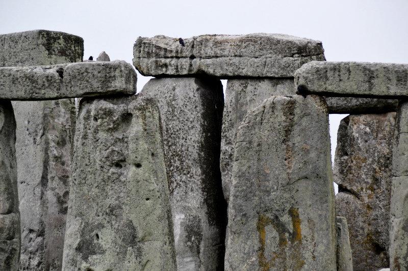 Graune Steine vor grauem Himmel: Stonehenge
