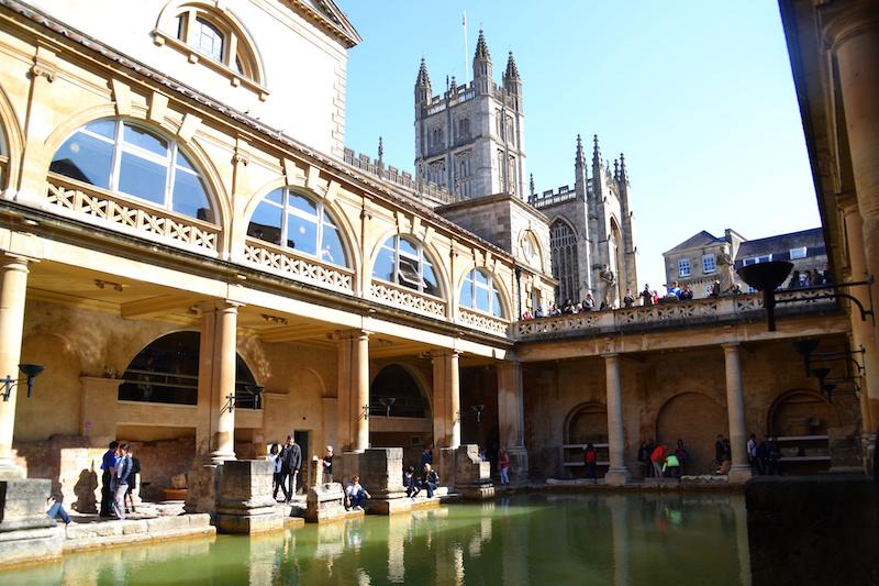 Das römische Bad und die Kathedrale von Bath