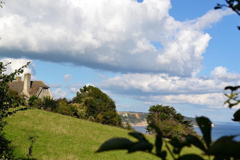 Dieses Landhaus in Beer genießt den weiten Blick über den Ärmelkanal