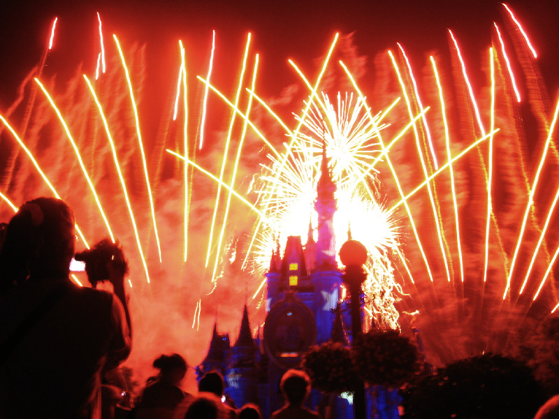 Cast Member in Walt Disney World: Feuerwerk im Magic Kingdom