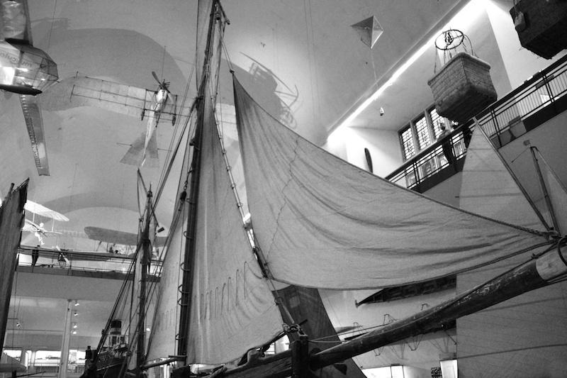 Schiffe und erste Fluggeräte im Deutschen Museum