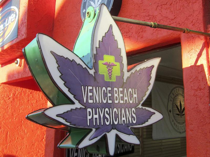 In Venice Beach gibt's Gras gegen alle möglichen Wehwehchen