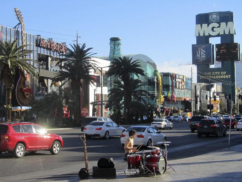 Las Vegas Boulevard mit Trommler