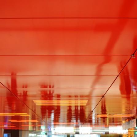 Spiegelung im Sperrengeschoss, U-Bahn-Halt Marienplatz