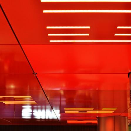 Rotes Sperrengeschoss, U-Bahn-Halt Marienplatz