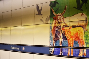 U3 in München: Thalkirchen mit Wasserbüffel