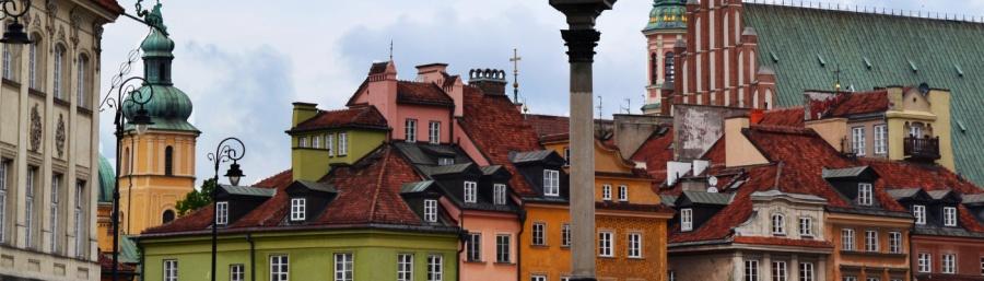 Häuserdächer in Warschaus Altstadt