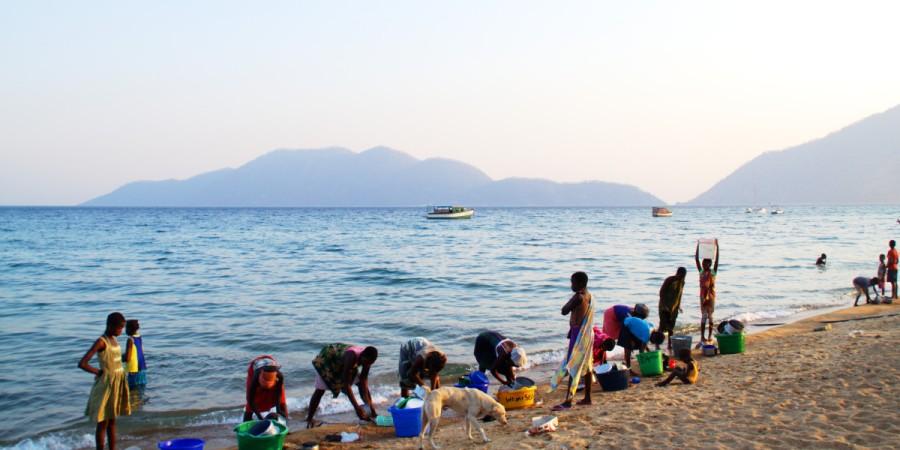 Frau am Lake Malawi, Cape Maclear