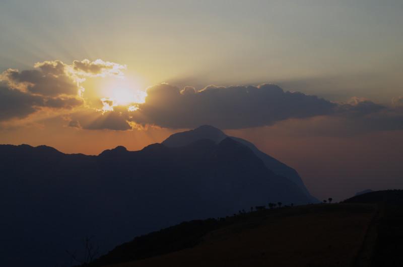 Sonnenuntergang über Mulanje, Malawi