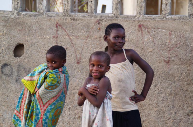Junge Mädchen auf Ilha de Moçambique