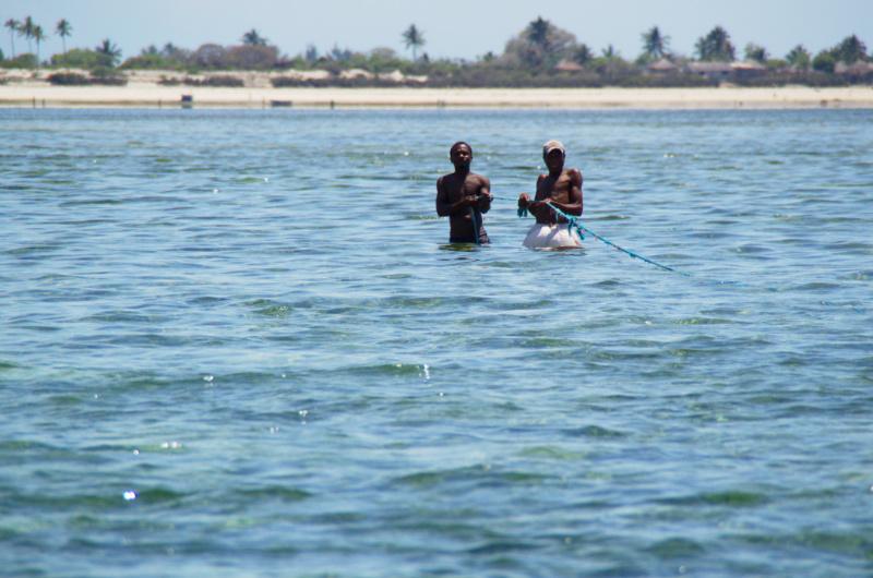 Ilha de Moçambique: Fischer in der Lagune