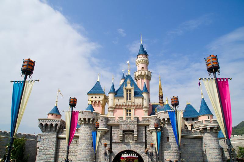 Märchenhaftes Sleeping Beauty Castle in Hong Kong Disneyland