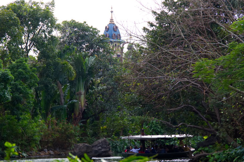 Jungle Cruise und Mystic Manor in Hong Kong Disneyland