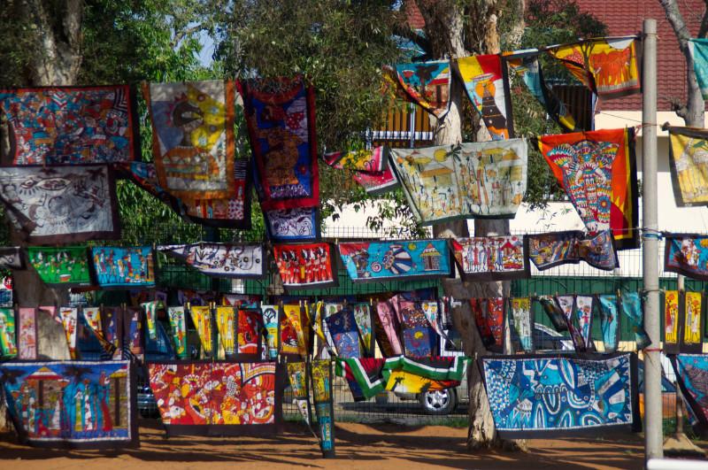Auf dem Kunstmarkt in Maputo, Mosambik