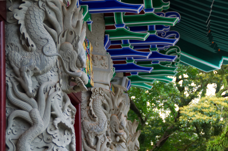 Hongkong: Drachen am Kloster