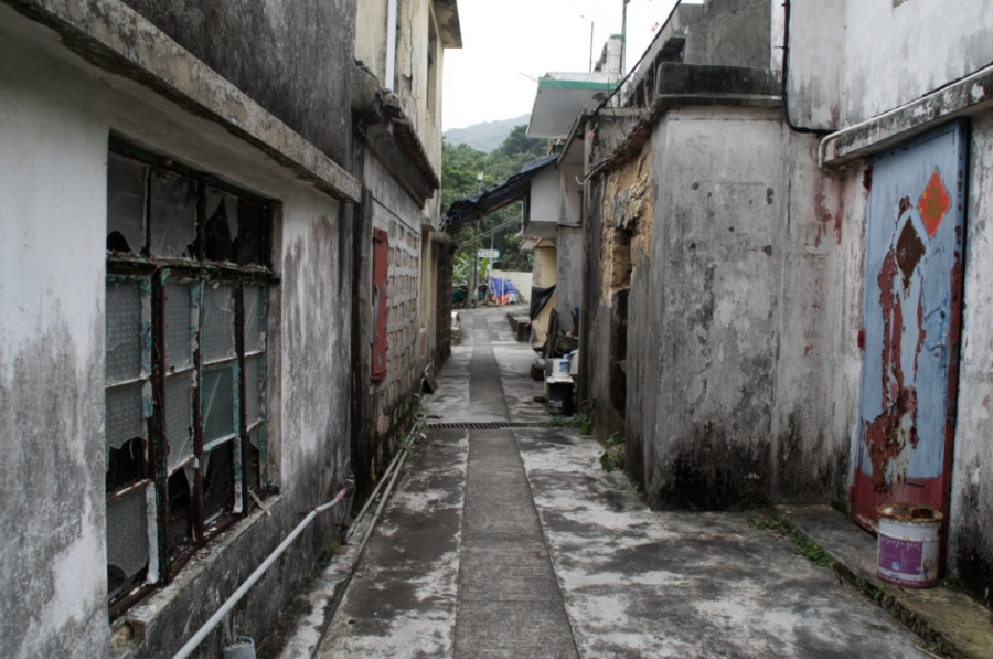 Hongkong: Heruntergekommene Hütten auf Lamma Island