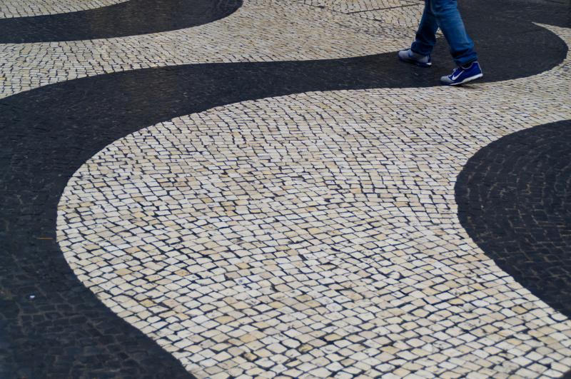 Macau: schwarz-weißer Bodenbelag