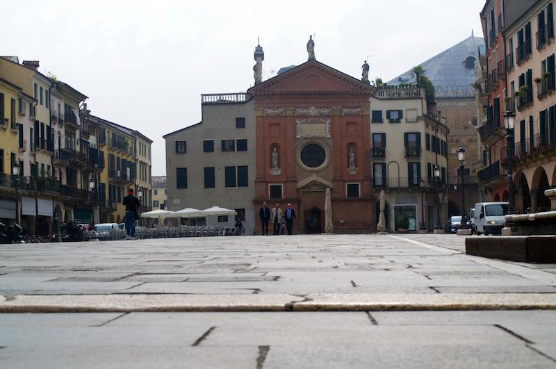 Padua: Piazza dei Signori mit Kirche