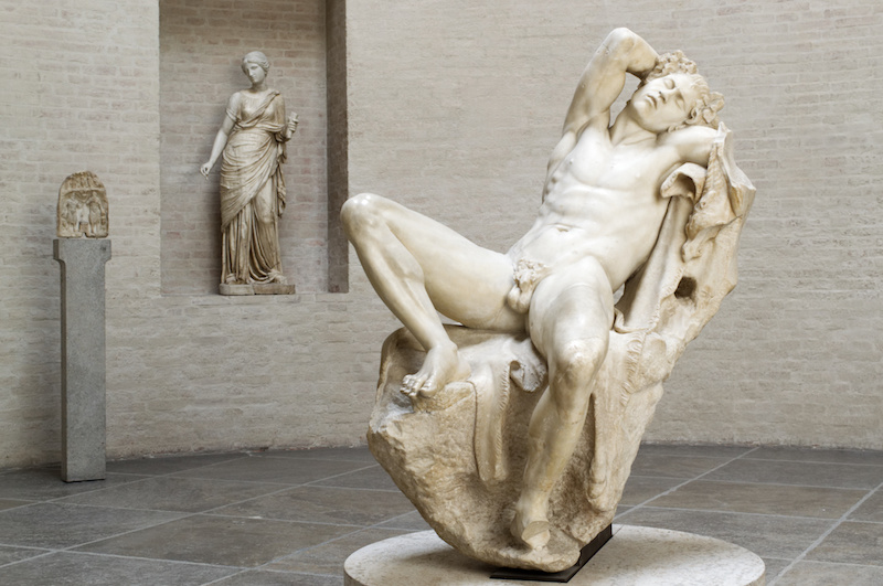 Glyptothek in München: Antike Statuen aus Marmor