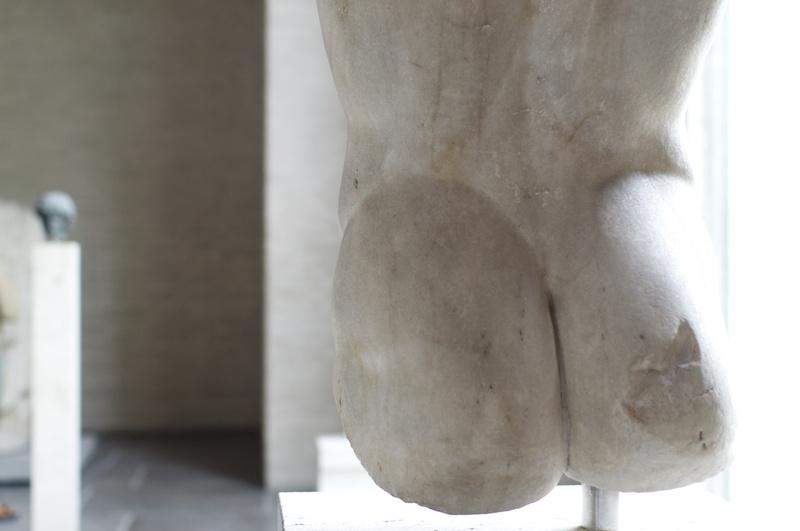 Glyptothek in München: Der wohlgeformte Hintern einer Statue