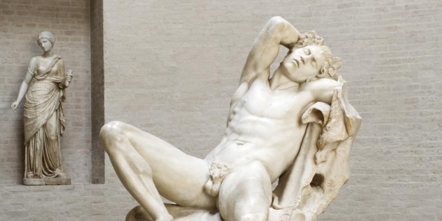 Glyptothek in München: Statue eines jungen Mannes