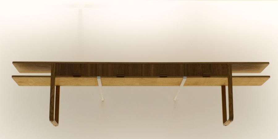 Pinakothek der Moderne: Kommode im Eingangsbereich