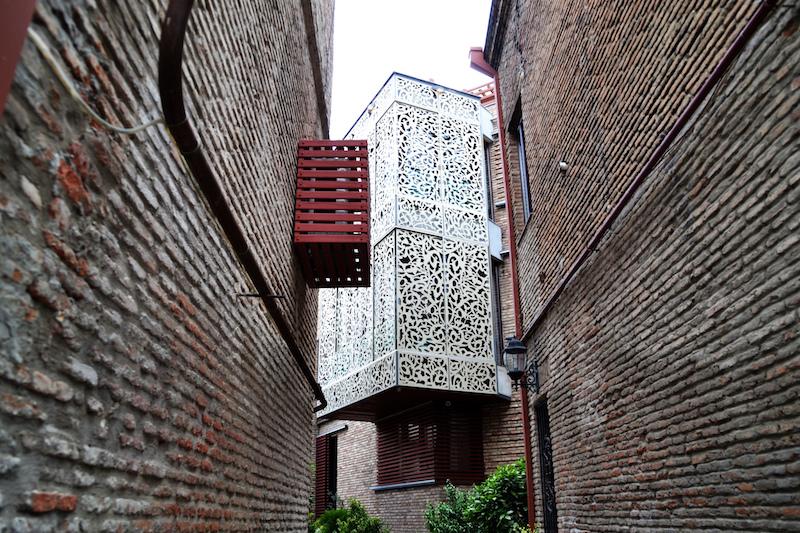 Modern und tradionell: Haus in Tiflis