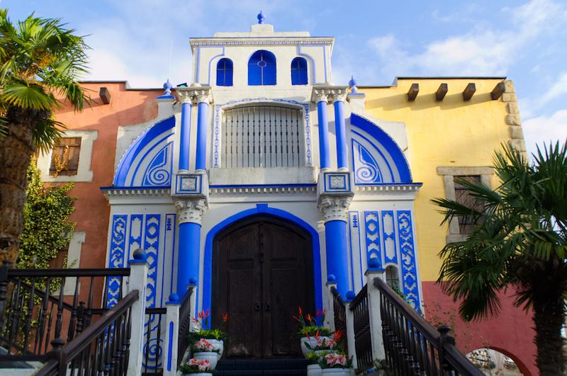Fassade in Mexiko im Phantasialand