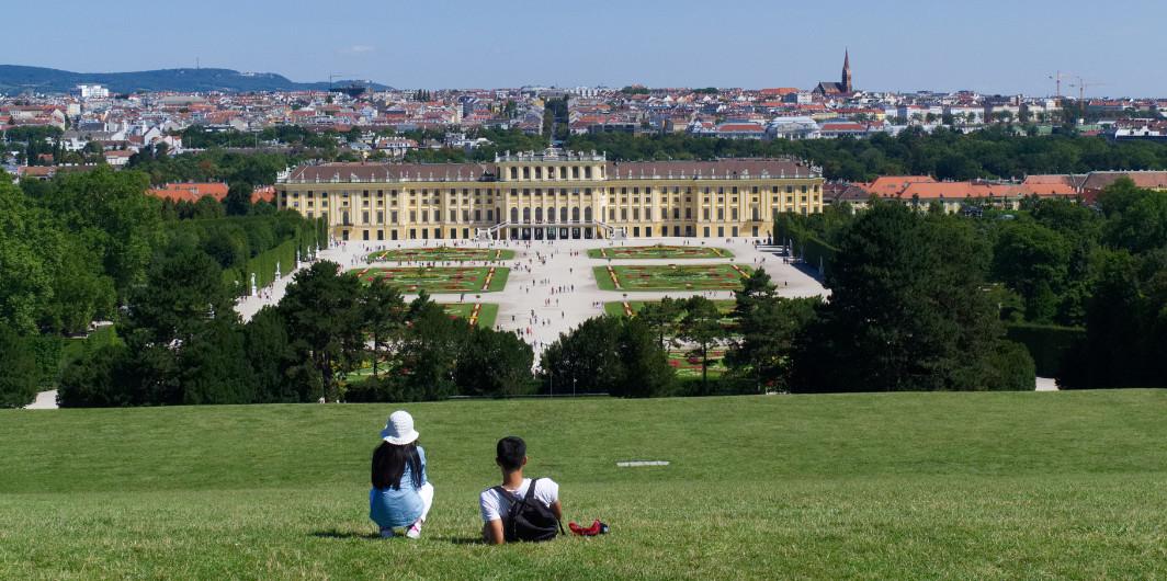 Schloss Schönbrunn von Bellevue ausgesehen