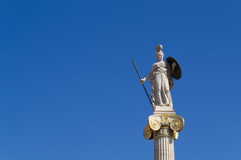 Athene auf einer Säule