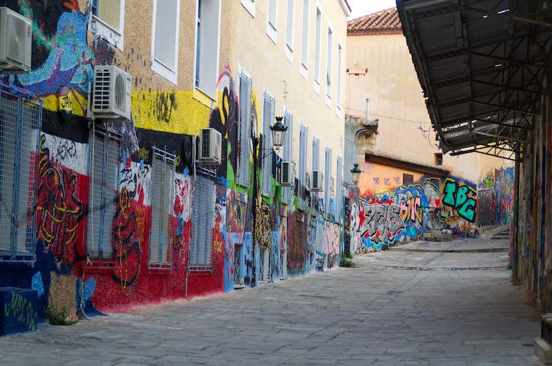Grafitti in einer Gasse der Athener Altstadt