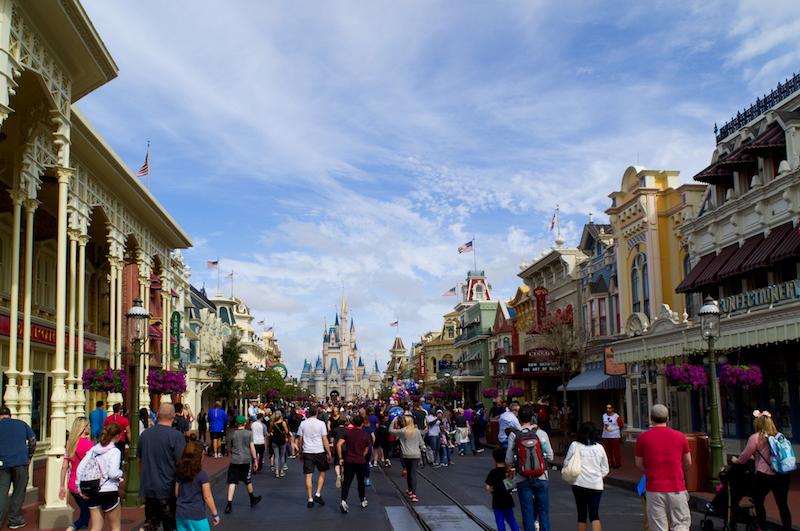 Die Main Street mit dem Cinderella Schloss in Walt Disney World