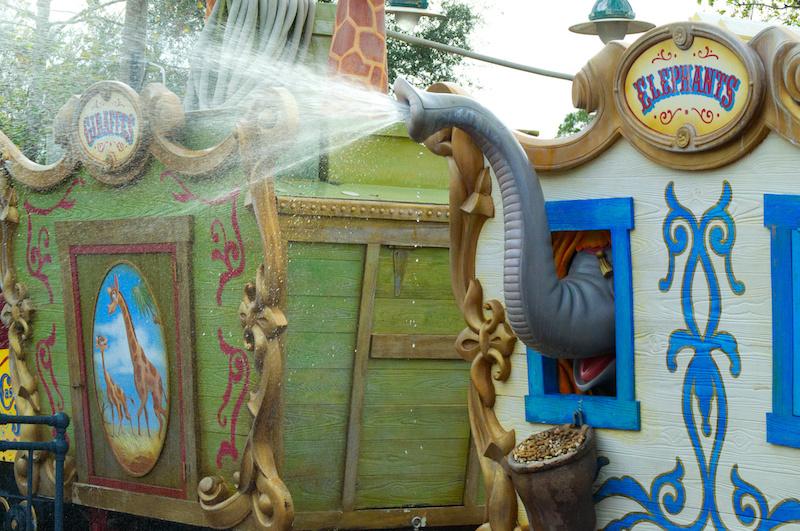 Wasserspielplatz trifft Zirkus im Fantasyland, Walt Disney World