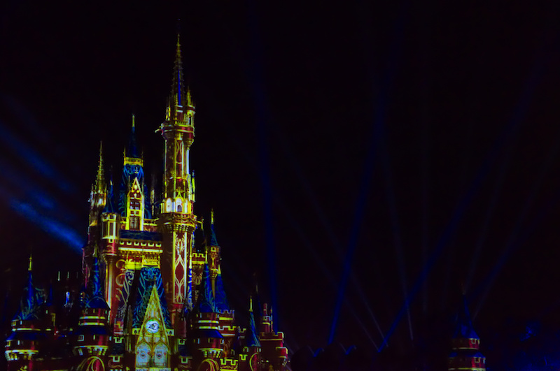 Die Happily Ever After Show auf dem Cinderella Castle in Walt Disney World