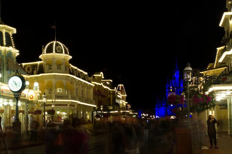 Main Street, U.S.A., am Abend