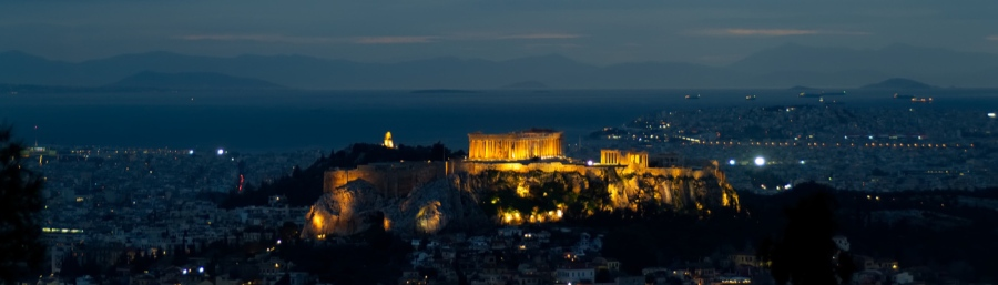 Akropolis und Athen bei Nacht