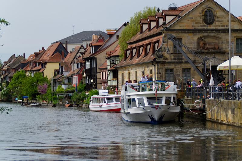 Ausflugsboote auf der Regnitz in Bamberg