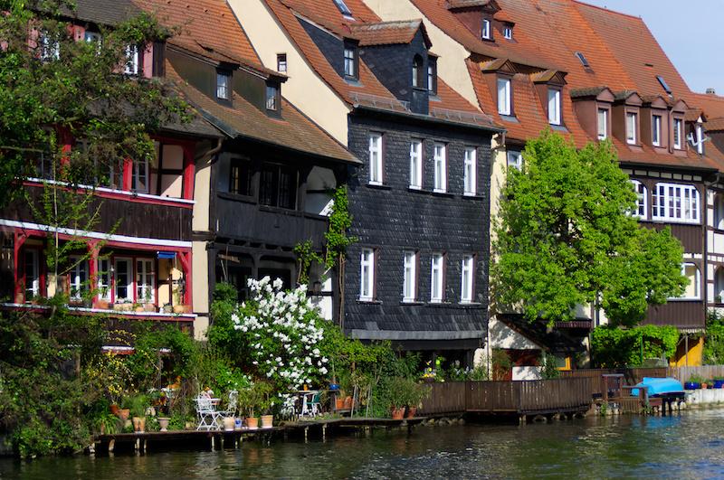 Die Fassaden von Klein-Venedig an der Regnitz in Bamberg