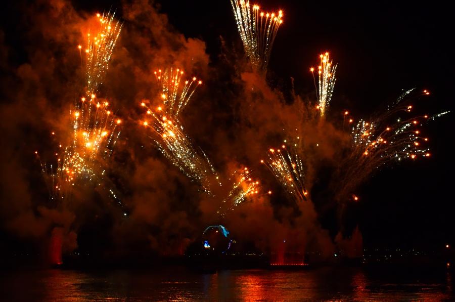 Feuerwerk über der Lagune in Epcot