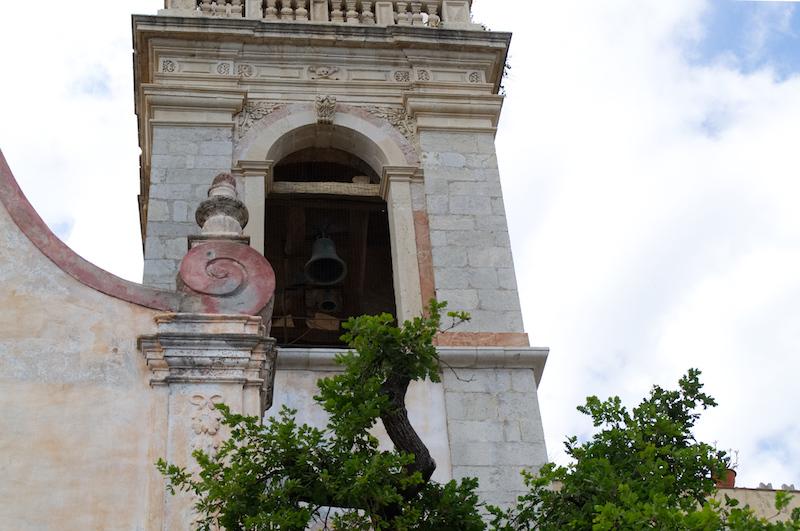 Die Kirchturmglocke in Taormina