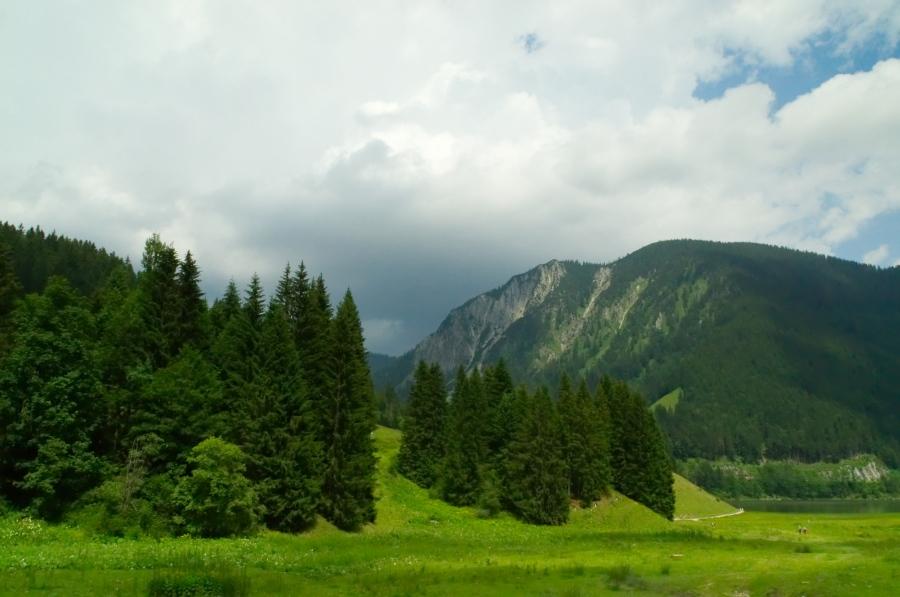 Spitzingsee mit Bergen