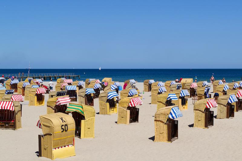 Travemünde mit Meer, Strandkörben und Sonne