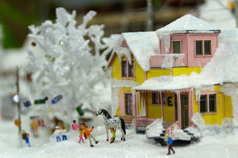 Villa Kunterbunt unter Schnee im Miniaturwunderland