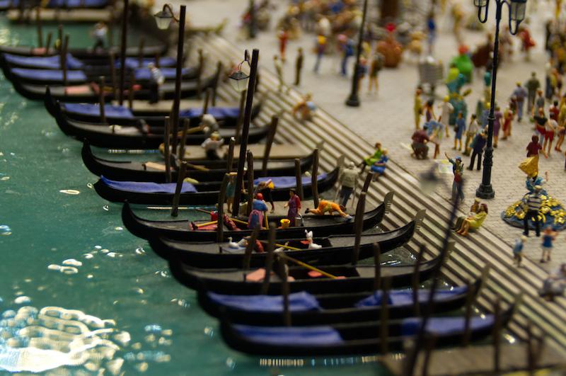 Gondeln in Venedig im Miniaturwunderland