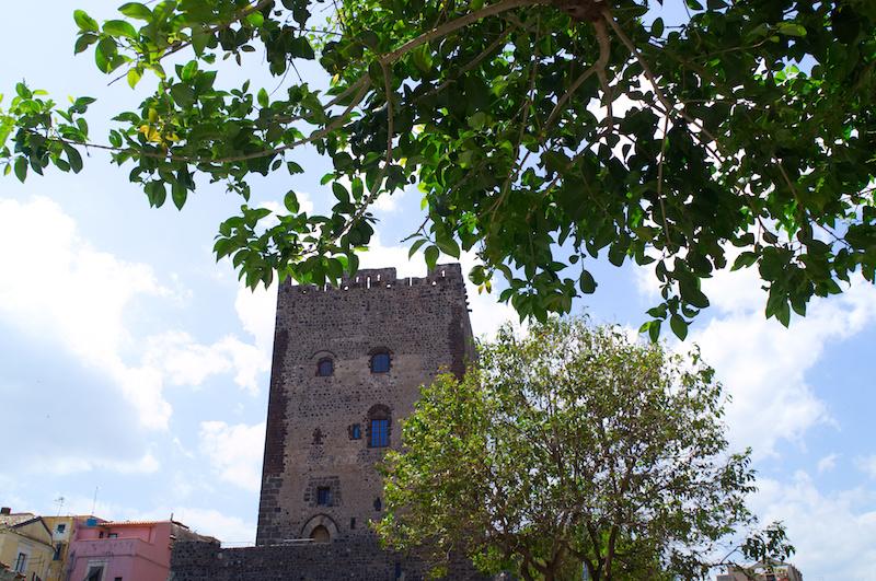 Normanischer Turm in Adrano