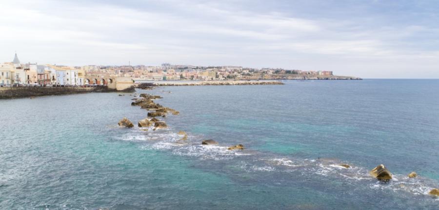 Am Meer bei Syrakus