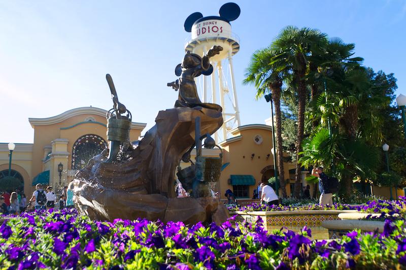 Der Zauberer Micky Brunnen im Disneyland Paris