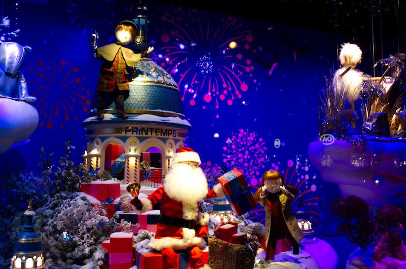 Weihnachtliches Schaufenster am Kaufhaus Printemps